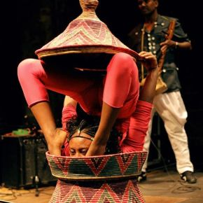 These African performers are fighting the spread of AIDS in a uniqueway