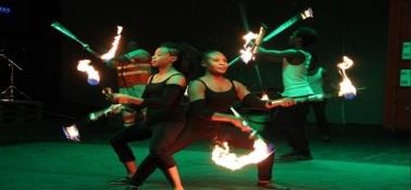 T160k Circus Debre Berhan color juggling